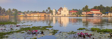 IN04400 India, Kerala, Alappuzha (Alleppey), Alappuzha (Alleppey) backwaters, St. Mary Forane Church