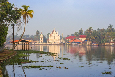 IN04403 India, Kerala, Alappuzha (Alleppey), Alappuzha (Alleppey) backwaters, St. Mary Forane Church