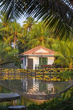 IN04429 India, Kerala, Kollam, Resort bungalow on Munroe Island