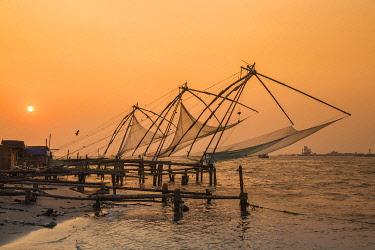 IN04484 India, Kerala, Cochin - Kochi, Fort Kochi, Chinese fishing nets