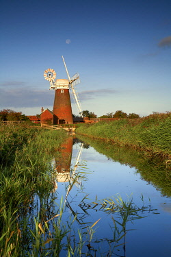 ENG16715AW Stracey Arms Mill Reflecting in Dyke, Norfolk Broads National Park, Norfolk, East Anglia, England