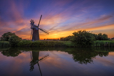 ENG16778AW Turf Fen Mill at Sunset, How Hill, Norfolk, England