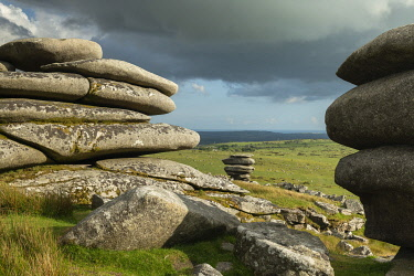 ENG16807AW Granite outcrops on Stowes Hill, Bodmin Moor, Cornwall, England