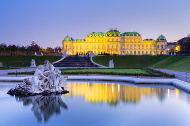 CLKNO122443 Vienna, Austria Upper Belvedere Palace and fountain