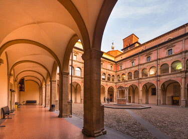 CLKGM130102 San Giovanni in Monte portico and courtyard, Renaissence convent of city and University site. Bologna, Emilia Romagna, Italy