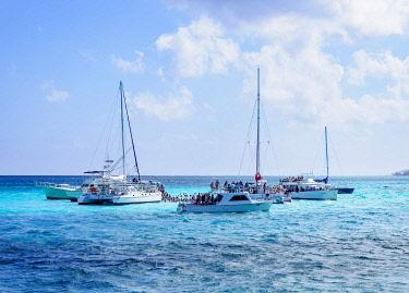 CYI1104AW Boats at Stingray City, Grand Cayman, Cayman Islands