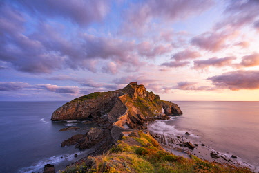 CLKAC128582 Gaztelugatxe, Biscay, Basque Country, Spain. View of the islet and the hermitage at sunrise