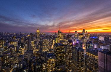 CLKST124415 Manhattan skyline with the Empire State Building, New York City, USA.