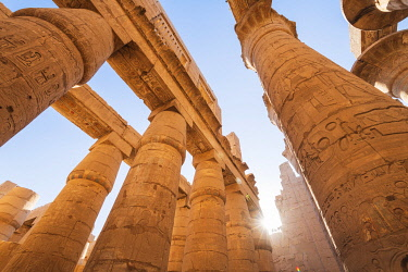 EGY1792AWRF Pillars at the Karnak Temple, Luxor, Egypt, Africa
