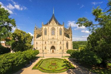 CZE2194AWRF Facade of Saint Barbara's Cathedral on sunny day, UNESCO, Kutna Hora, Kutna Hora District, Central Bohemian Region, Czech Republic