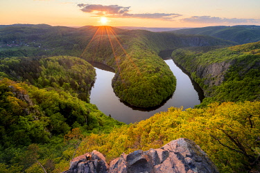 CZE2178AW Meander of Vltava River at sunset seen from Maj viewpoint, Teletin, Krnany, Benesov District, Central Bohemian Region, Czech Republic