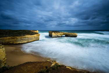 AUS4216AW Stormy Weather at London Bridge, Great Ocean Road National Park, Victoria, Australia