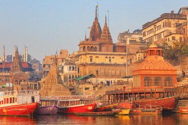 IN502RF Cityscape from Ganges, Varanasi, Uttar Pradesh, India