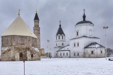 RU04577 Mausoleum, 14th century and Russian church, 1734, Bolgar, Tatarstan, Russia