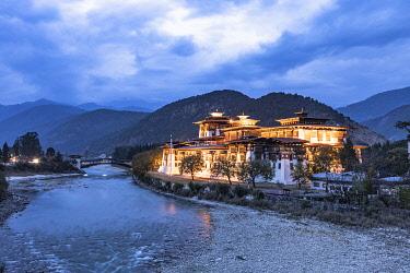 BHU1962AW Punakha Dzong at night, Punakha, Punakha District, Bhutan