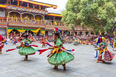 BHU1978AW Punakha Tshechu (otherwise known as Punakha Festival), Punakha Dzong, Punakha, Punakha District, Bhutan