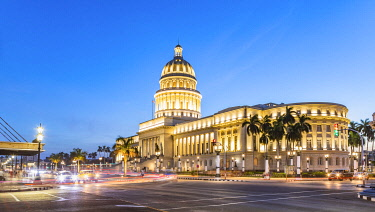 CUB2389AW National Capitol building (El Capitolio) in the evening, Centro Habana Province, Havana, Cuba
