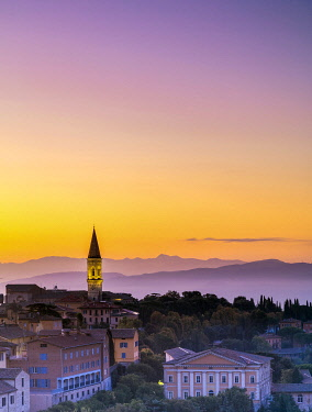 ITA15489 Italy. Umbria. Perugia. The historical centre of the town of Perugia.
