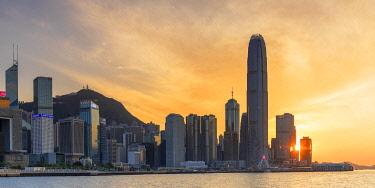 CH12435AWRF Skyline of Hong Kong Island at sunset, Hong Kong