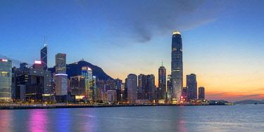 CH12446AWRF Skyline of Hong Kong Island at sunset, Hong Kong