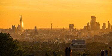 UK11730 Skyline of City of London & The Shard, London, England, UK
