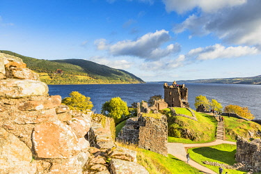 SCO35685AW Urquhart Castle on the banks of Loch Ness, Inverness, Scotland, UK