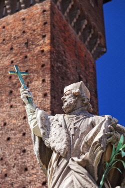 ITA15535 A statue outside the Castello Sforzesco in Milan, Lombardy, Italy.