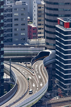 JAP2927 Elevated view of urban motorway interchange junction in Osaka, Oyodokita, Oyodominami, Osaka, Osaka Fu, Honshu, Japan.