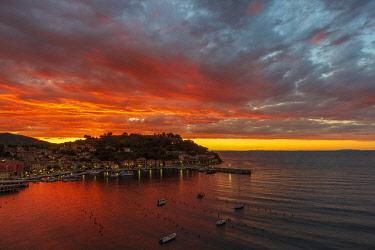 ITA15549AW europe, Italy, Tuscany, Elba Island, view over the port of Porto Azzurro at sunrise