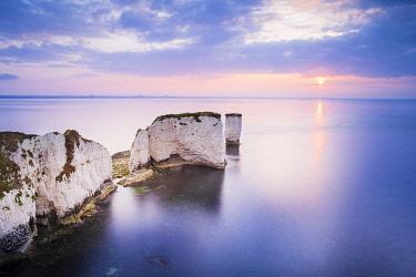 ENG17272AWRF Old Harry Rocks, Jurassic coast, Swanage, Isle of Purbeck, Dorset, England, UK