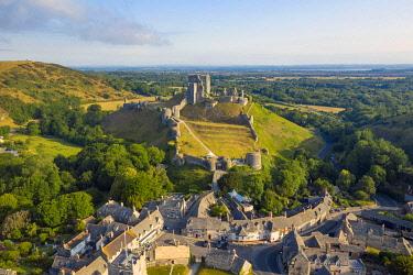 ENG17276AWRF Corfe Castle, Corfe, Jurassic coast, Dorset, England, UK