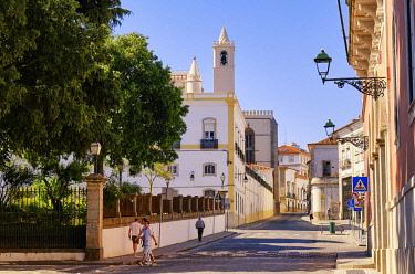 POR10989AWRF Old town of Evora, a Unesco World Heritage Site. Portugal