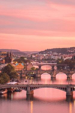 CZE2342AWRF Bridges over Vltava river against sky seen from Letna park at sunset, Prague, Bohemia, Czech Republic