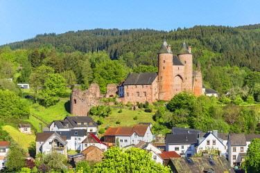 GER12059AW Bertradaburg castle, Murlenbach, Eifel, Rhineland-Palatinate, Germany