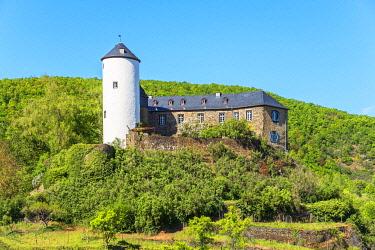 GER12093AW Kreuzberg castle near Altenahr, Ahr valley, Eifel, Rhineland-Palatinate, Germany
