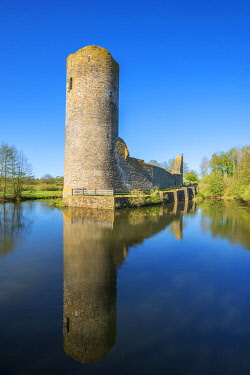 GER12149AW Castle ruin Baldenau near Morbach, Hunsruck, Rhineland-Palatinate, Germany