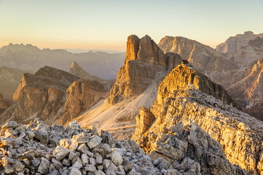 CLKFM130895 Italy,Veneto,Belluno district,Cortina d'Ampezzo,the last rays of sun light up the walls of  the Averau and Nuvolau mountains
