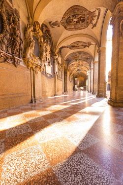 CLKGM130133 The renaissence architecture of Archiginnasio Biblioteca Comunale Cloister. Bologna, Emilia Romagna, Italy, Europe.