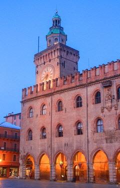 CLKGM130150 Accursio palace in Maggiore square at twilight. Bologna, Emilia Romagna, Italy, Europe.