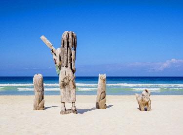 JAM0343AW Sculptures at Seven Mile Beach, Long Bay, Negril, Westmoreland Parish, Jamaica