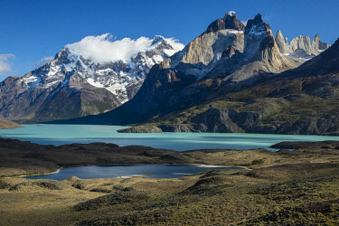 CHI11276AW South America, Andes, Patagonia, Torres del Paine, UNESCO World Heritage, National Park