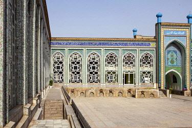 TAJ1140AW Interior courtyard of a Mosque in Dushanbe, Tajikistan