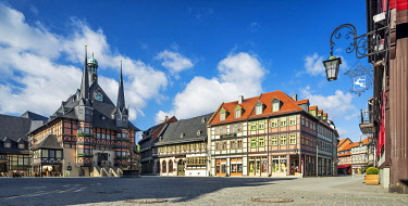 IBLAVI05781887 Panorama, market place and historic town hall, Wernigerode, Harz Mountains, Saxony-Anhalt, Germany, Europe