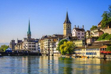IBLVFW05389861 View of the Lindenhof quarter with Schipfe and the river Limmat, Zurich old town, Zurich, Canton Zurich, Switzerland, Europe