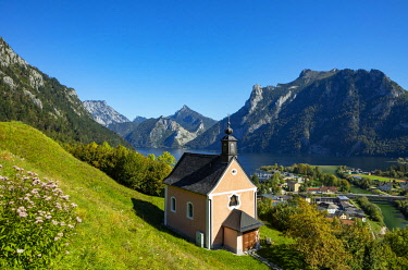 IBXWWE05800812 Calvary Church in Ebensee, Lake Traun, Salzkammergut, Upper Austria, Austria, Europe