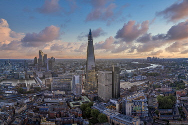 ENG17643AW Sunsrise over the Shard and city of London, London, England, UK