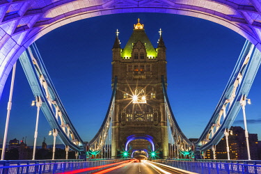 TPX74386 England, London, Tower Bridge with Empty Road at Night