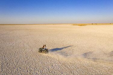 BOT5714AW Quad Biking on the Makgadikgadi Salt Pans, Makgadikgadi Salt Pans, Botswana