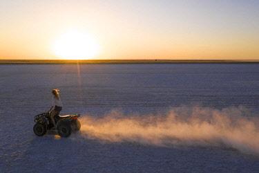 BOT5715AW Quad Biking on the Makgadikgadi Salt Pans, Makgadikgadi Salt Pans, Botswana