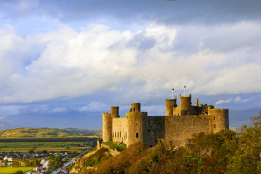 WAL7781 View of Harlech Castle at sunset from the south, Snowdonia, Wales